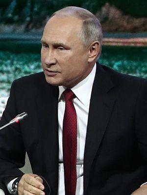 露大統領府は「首相の返答はまだ」 ©共同通信社