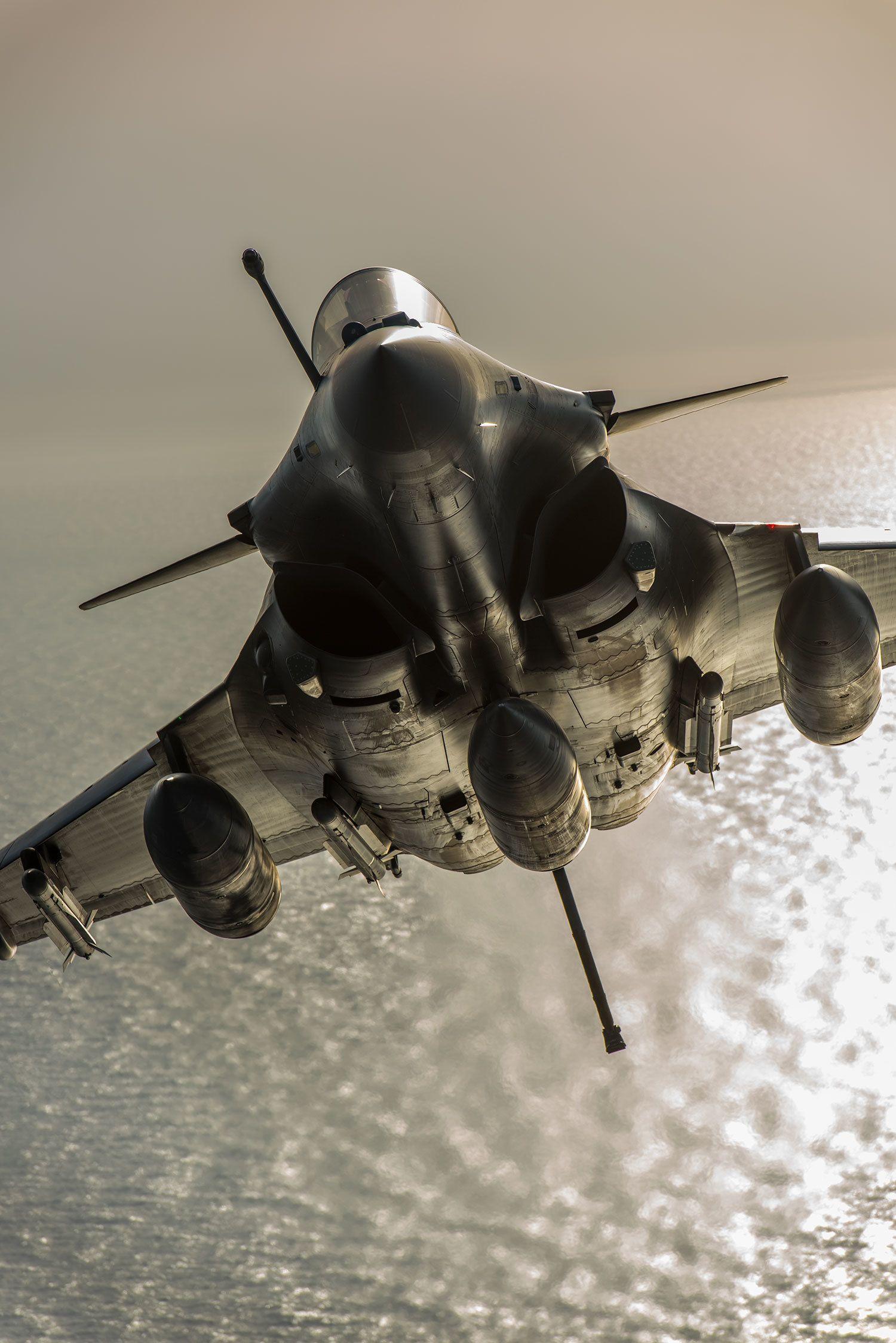ダッソー・ラファールM(生産国スウェーデン) 夜明けの地中海を上昇する仏海軍型機
