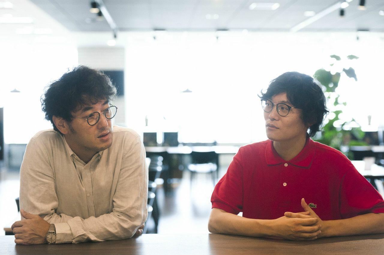おぐらりゅうじ(右)=1980年生まれ。編集者。速水健朗(左)=1973年生まれ。ライター。