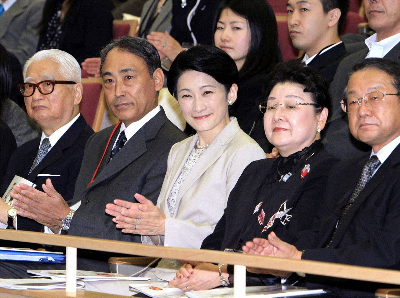 秋篠宮家の眞子さまと小室圭さん、宮内庁がやっと …
