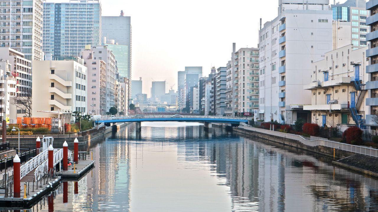田町は運河の町だ。縦横に水路が流れる