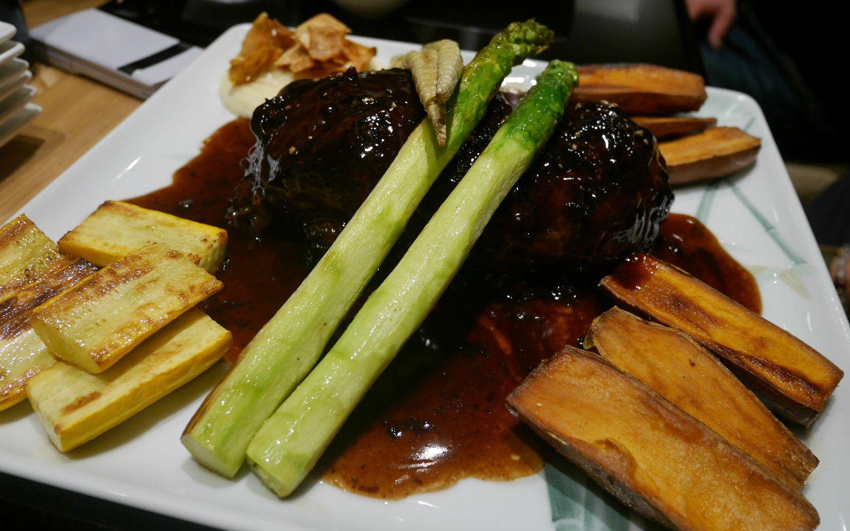 「ワイン食堂 シェ・トシ」の牛ほほ肉のワイン煮