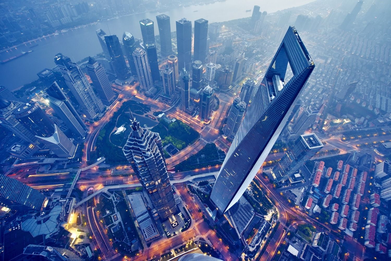 上海上空からの夜景 ©iStock.com
