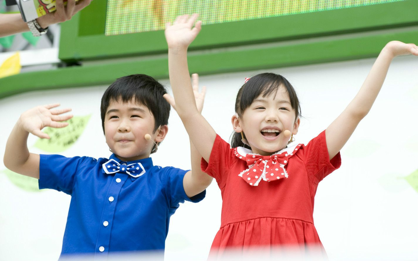 『マルモのおきて』では鈴木福(左)と双子の姉弟に扮し、ダンスも披露した ©山田真実/文藝春秋