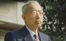 孫への誕生日プレゼントは3000円――昭和天皇の知られざる「家計簿」