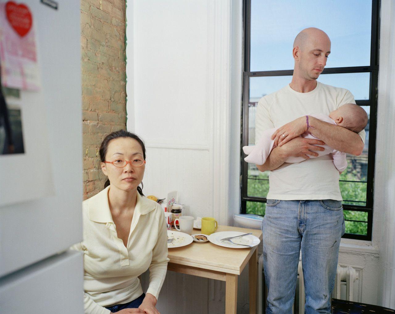 キム・オクソン《ヒロヨとマイケル 2 》 シリーズ〈ハッピー・トゥギャザー〉より 2004年 東京都写真美術館蔵 ©Oksun KIM