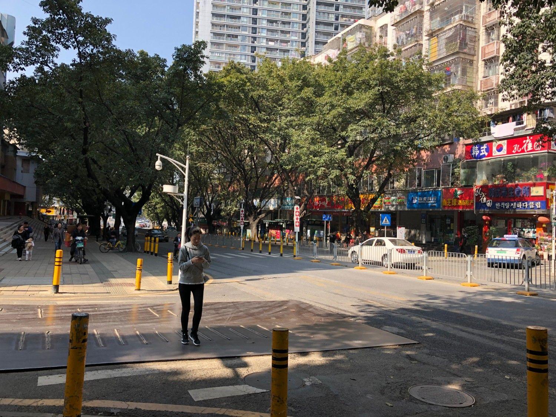 現在の深圳市内。道路は清潔で、治安の不安は微塵も感じない。2019年1月、安田撮影
