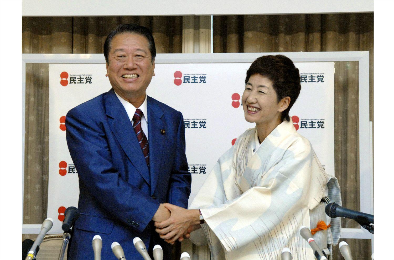 かつては小沢一郎氏(当時は民主党代表)から出馬要請を受け、2007年参院選挙で初当選。参議院議員1期を務めた ©共同通信社