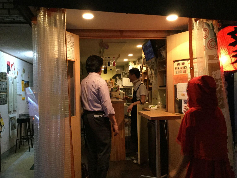 神田小川町の路地裏にある立ち飲みカレー「AKLあから~カレーなる酒場~」