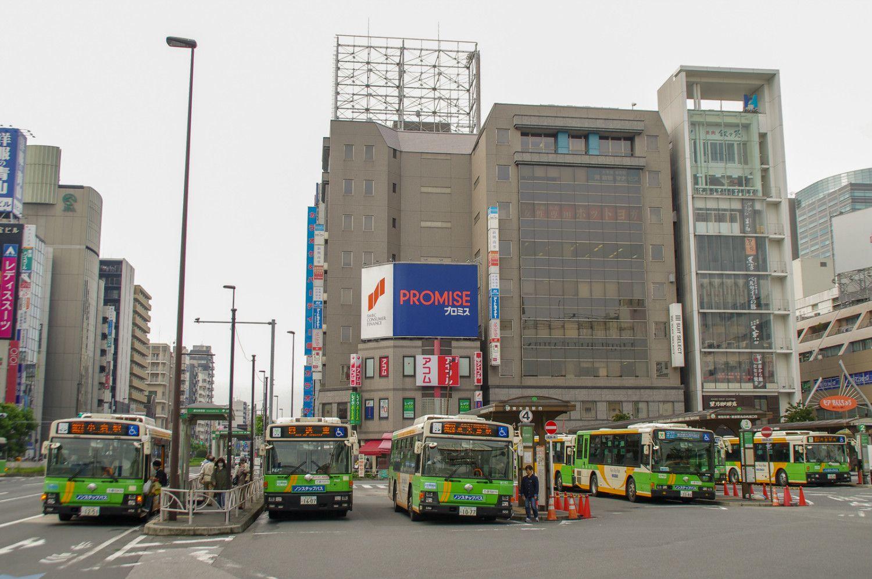 錦糸町駅南口のバス乗り場の様子
