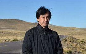 ゾウに脅されたことも……東大理学部出身の写真家は、なぜ「地表」を撮り続けるのか