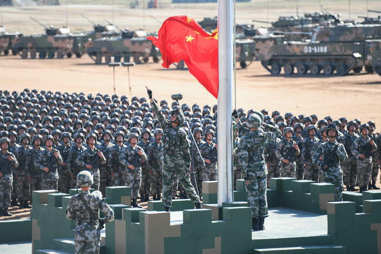 建軍90周年を記念して行われた中国人民解放軍の軍事パレード ©getty