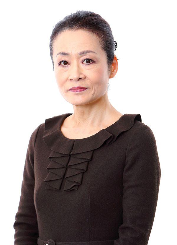 いわむらのぶこ/1953年北海道生まれ。大手広告会社を経て、現在は大正大学客員教授、日本能率協会総合研究所客員研究員、キユーピー顧問等をつとめる。食と現代家族の調査・研究を続け、著書に『変わる家族 変わる食卓』『家族の勝手でしょ!』など。