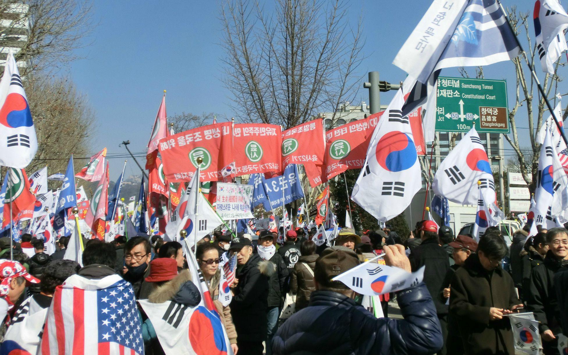 太極集会に参加する人々 ©菅野朋子