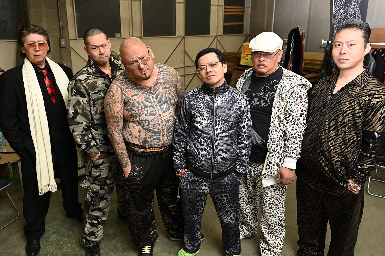 左からムサ子さん、武蔵武さん、或布理萬さん、倉本宙雨組長、吉田丸さん、高倉亭どん兵衛さん
