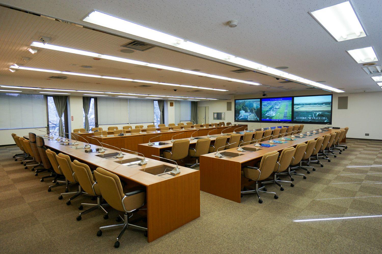 災害対策本部の会議室 ©石動竜仁
