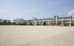 豊田市・小1男児が熱中症で死亡 エアコン設置が遅れている自治体首長の「残念な発言」