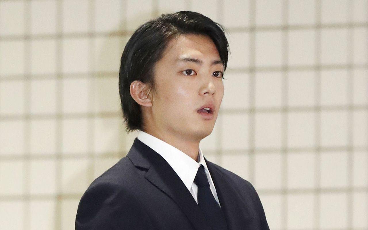 伊藤健太郎 ひき逃げ車のナンバーは山本舞香との交際記念日   文春オンライン