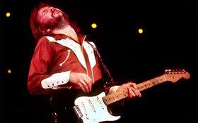 """""""ギターの神様""""が人生を赤裸々に語った 「エリック・クラプトン〜12小節の人生〜」を採点!"""