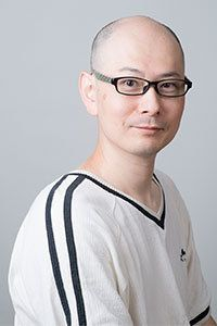 やないまさかず/1975年、福岡県生まれ。熊本大学理学部卒業。クロノス・クラウン合同会社代表社員。ゲームやアプリケーションの開発、プログラミング系技術書や記事の執筆を行う。『マンガでわかるJavaScript』等技術書の著書多数。本作で小説家デビュー。