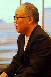 はつせれい/1966年、長野県生まれ。2013年、通り魔事件とその復讐劇を描いた『血讐』(リンダブックス)で第1回日本エンタメ小説大賞優秀賞を受賞、作家デビュー。現在、テレビ局に勤務。『シスト』が初の単行本となる。