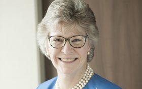 女性初のOECD事務次長が、農場暮らしに転じて書いた家族の歴史