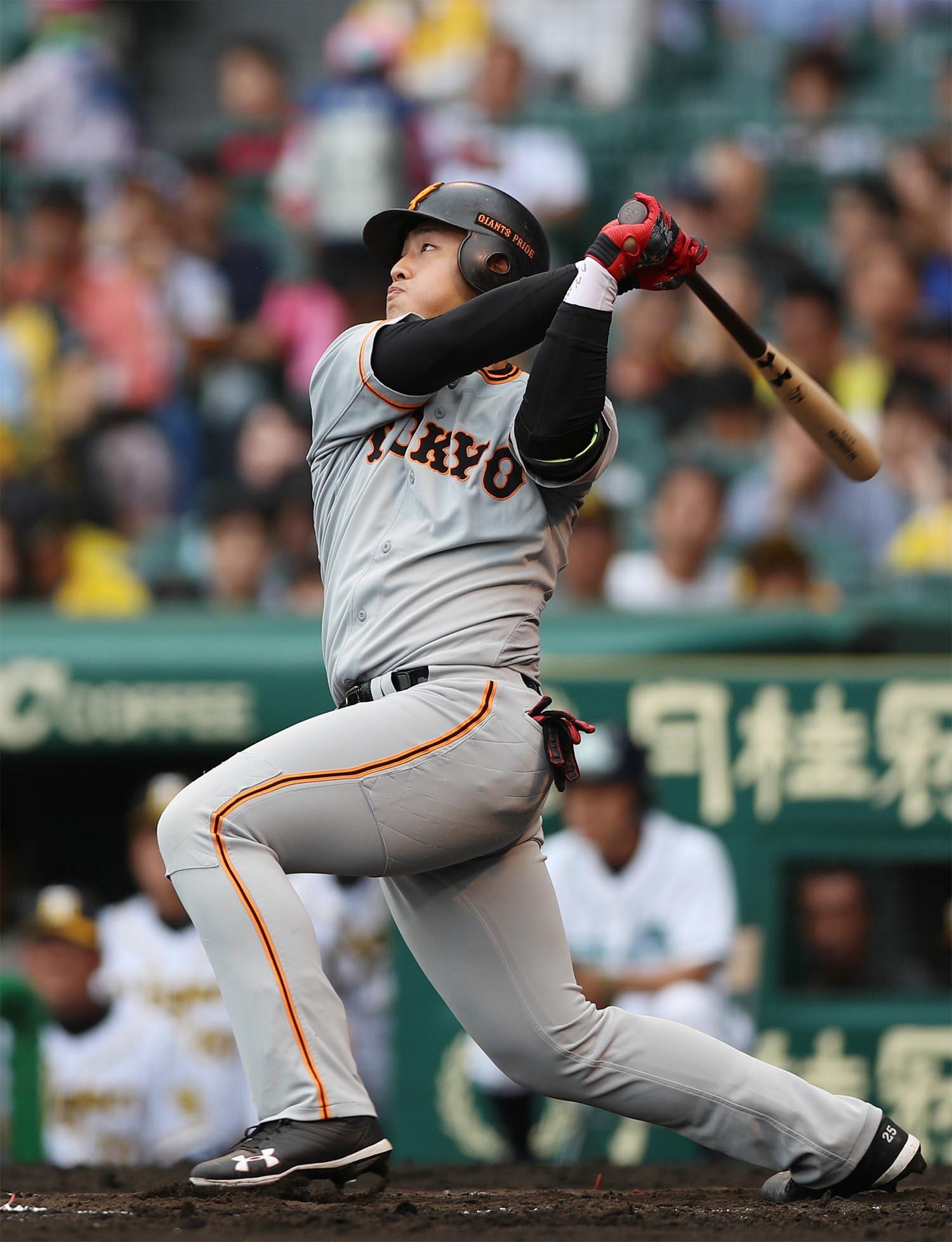 今季、4番打者として大きな成長を遂げた岡本和真 ©時事通信社