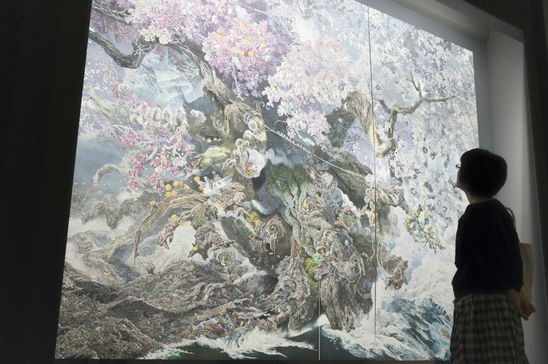 「誕生」2013−2016年 紙にペン、インク、透明水彩 佐賀県立美術館所蔵 300×400cm(東京・ミヅマアートギャラリーにて)