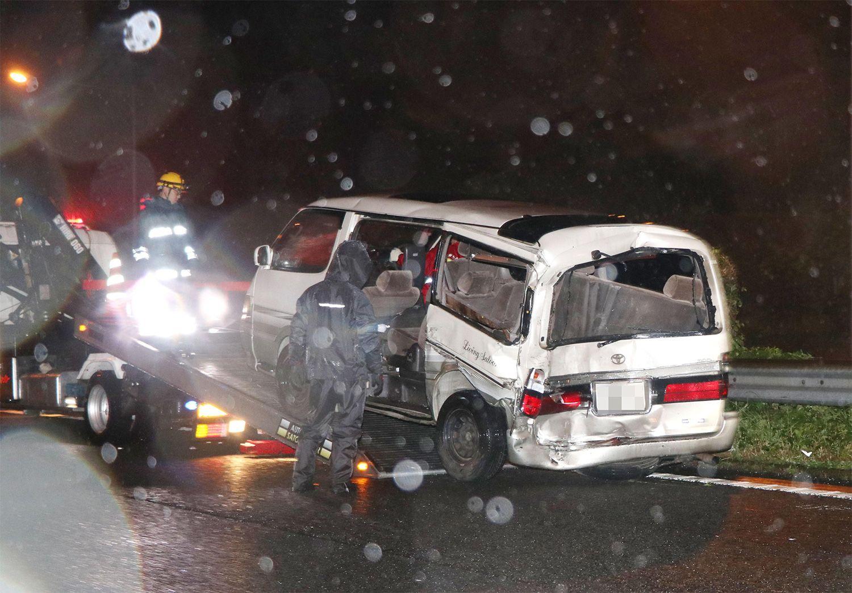 事故直後の萩山さん一家が乗っていた車 ©共同通信社