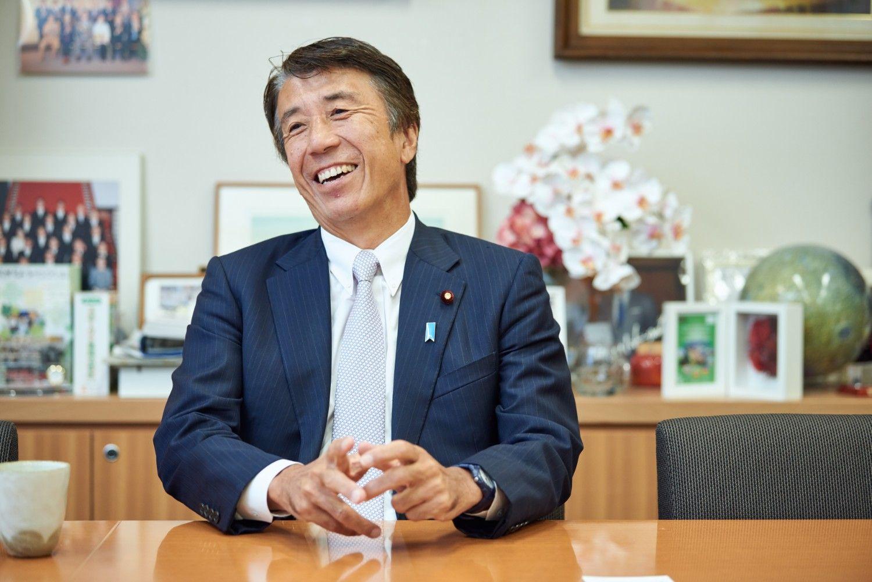 斎藤健議員 議員会館の事務所で