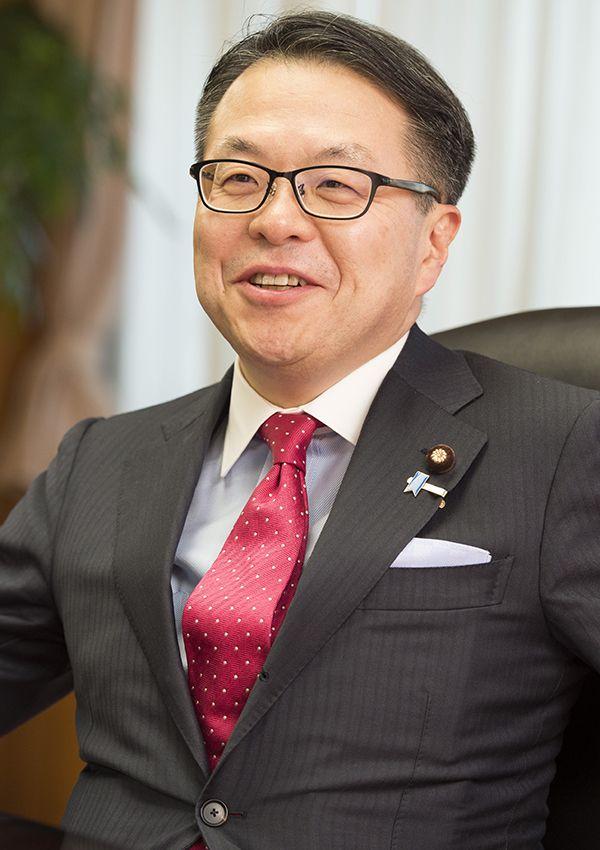 世耕弘成経済産業大臣 ©文藝春秋