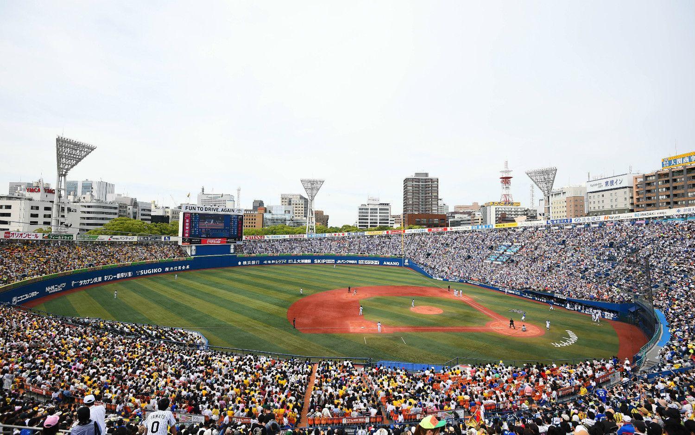 満員のスタンド。2015年。池田さんの策は功を奏し、横浜スタジアムの稼働率は大きく改善した。