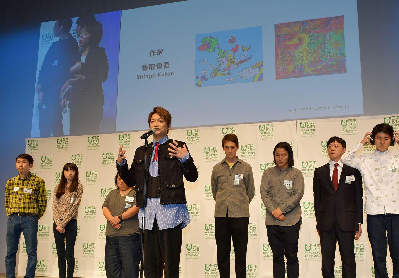 香取は作家として「日本財団DIVERSITY IN THE ARTS企画展」に出展 ©杉山秀樹/文藝春秋