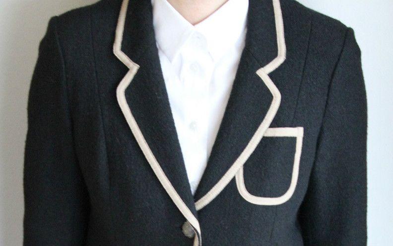 スーツが入らなくなり、ジャケット姿で面接へ