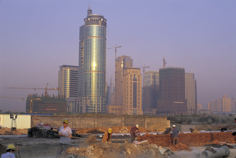 2000年代前半ごろと見られる深圳の工事現場。街はまだまだ建設中だった ©AFLO