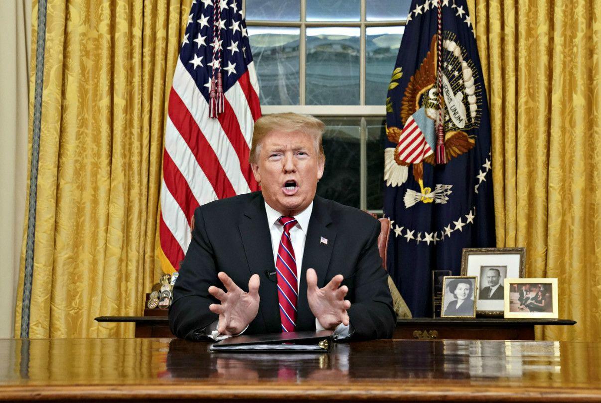 「壁」の建設について国民に問いかけるトランプ大統領 ©getty