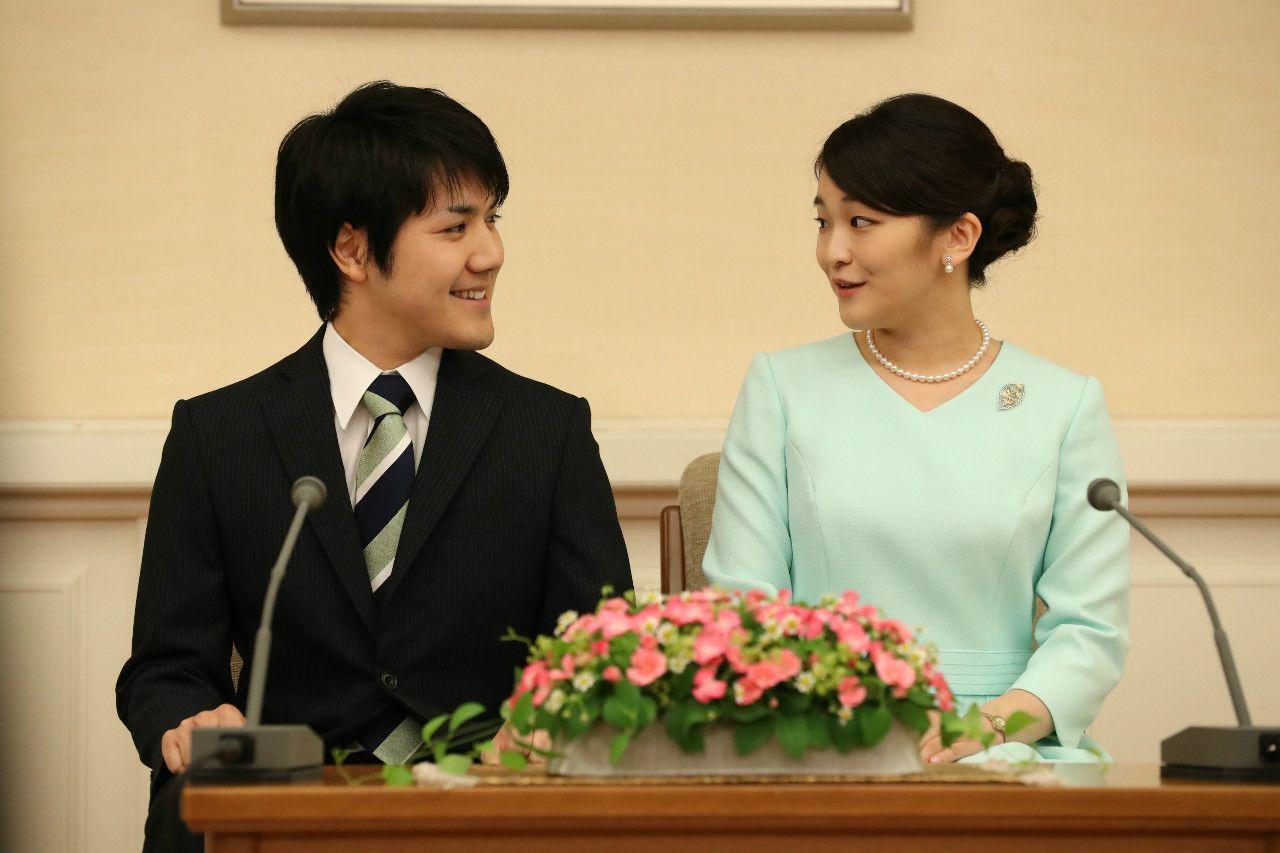 2017年9月3日、眞子さまと小室圭さんの婚約内定記者会見 ©JMPA
