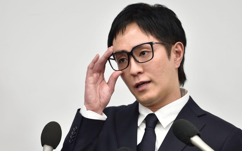 謝罪会見を行ったAAAのリーダー・浦田直也 ©文藝春秋