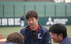 【西武】炭谷か岡田か 秋元バッテリーコーチに聞いた「捕手の起用法」