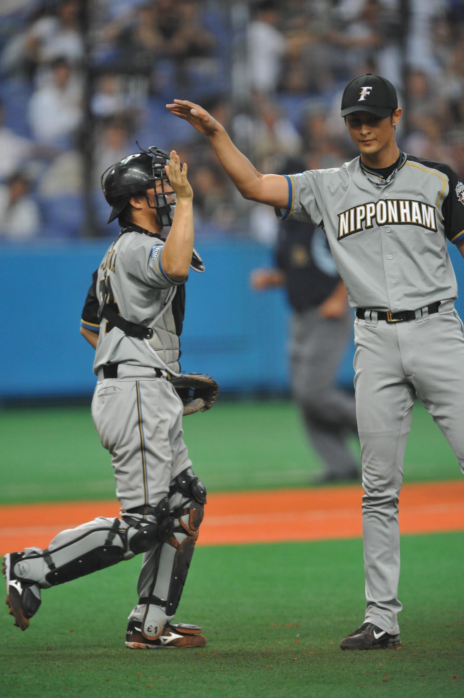 日本ハム・鶴岡慎也に言いそびれていた「おかえりなさい」の ...