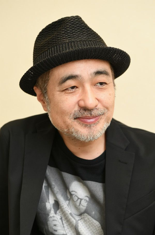 まつおすずき/1962年、福岡県生まれ。作家、演出家、俳優。97年『ファンキー!~宇宙は見える所までしかない~』で岸田國士戯曲賞受賞。2001年『キレイ―神様と待ち合わせした女―』でゴールデンアロー賞受賞。06年と10年には小説が芥川賞にノミネートされる。