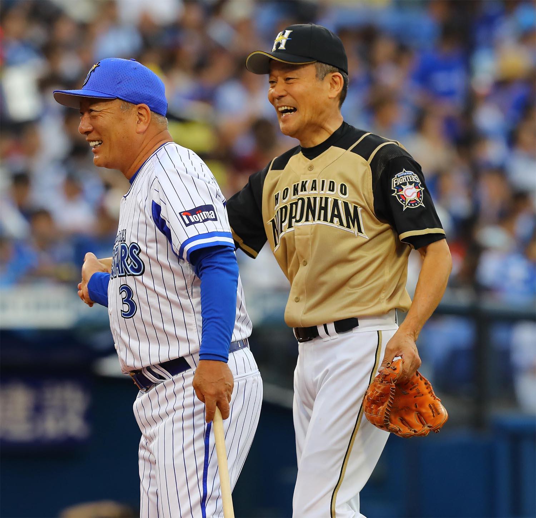 OB対決した高木豊(左)と木田勇
