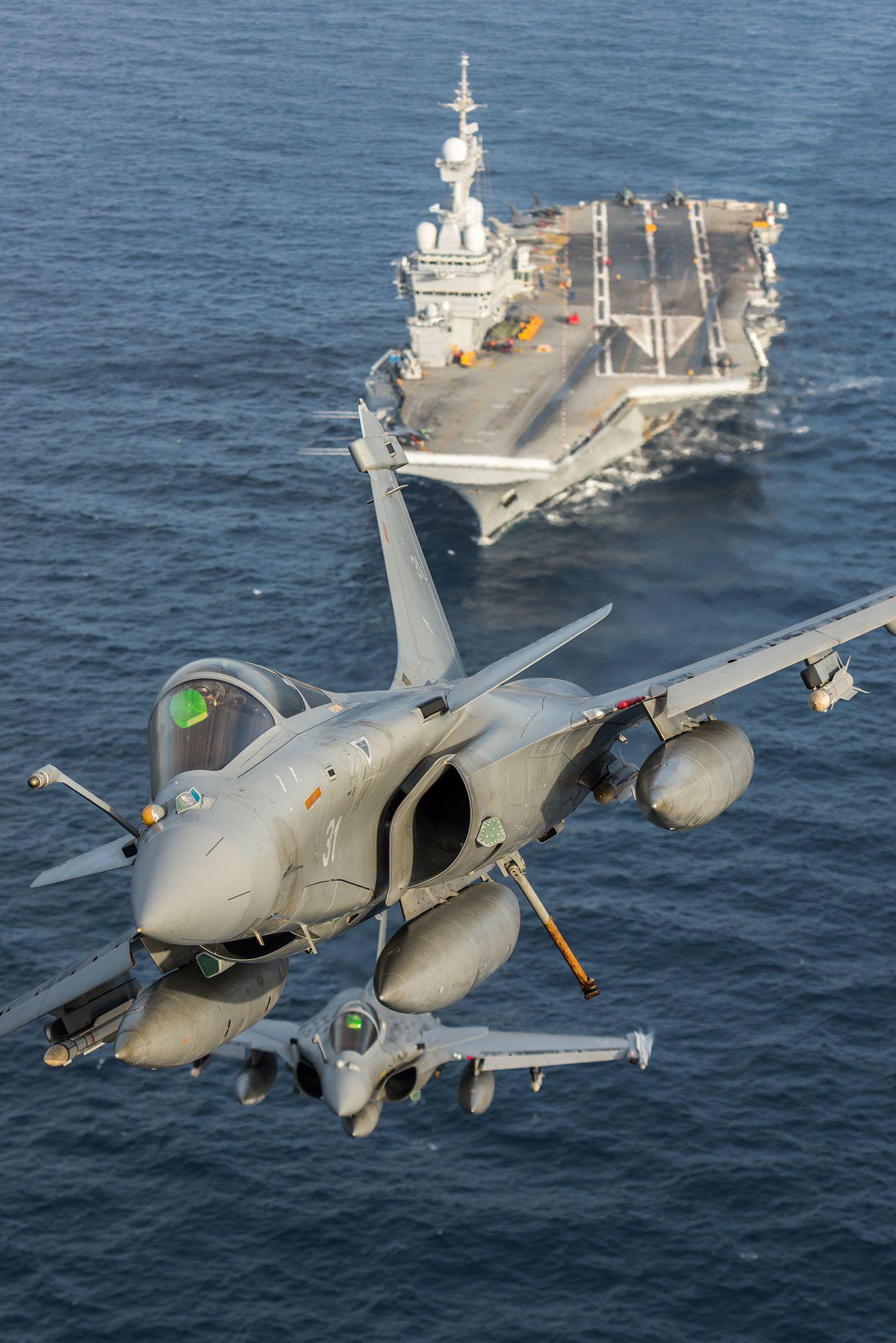 ダッソー・ラファールM(生産国フランス) 空母運用を続ける国は米の他は実質的に仏のみ