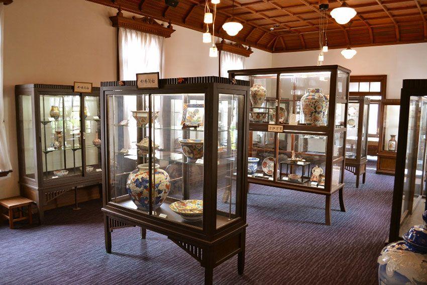 有田本社の古陶磁陳列館。有田ショールームの2階にあり、 無料で見学できる 写真提供・香蘭社