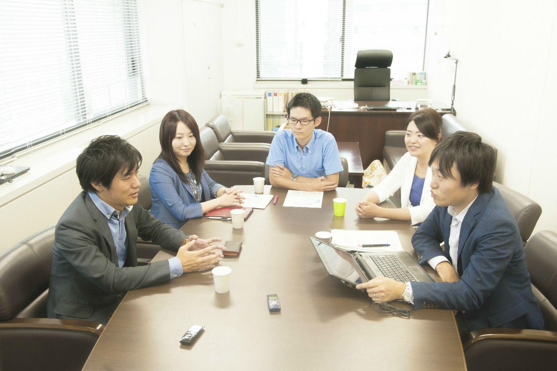 左から上田さん、菊池さん、今村さん、須賀さん、高木さん