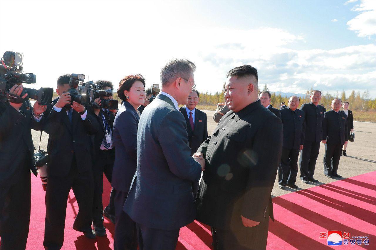 9月の南北首脳会談より ©時事通信社