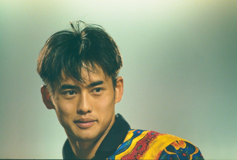 清水商業高から1994年に横浜マリノスに加入。95年にはJリーグ年間優勝を果たし、新人王に ©文藝春秋