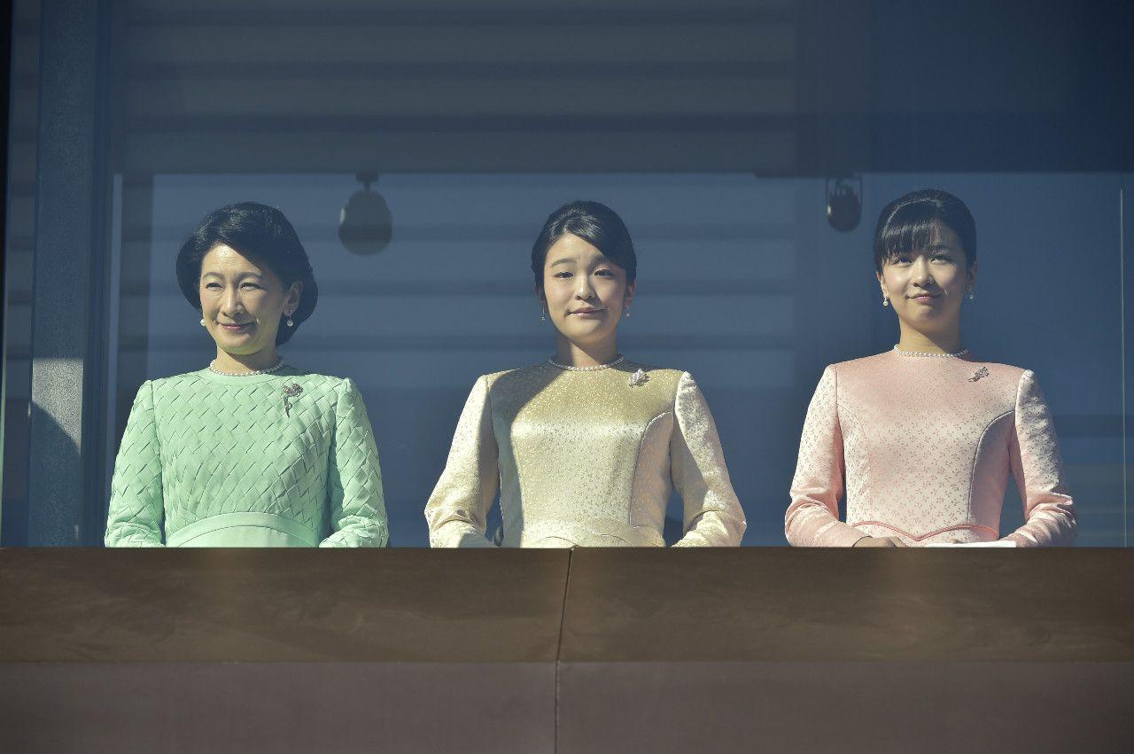 平成最後の新年一般参賀 紀子さま、眞子さま、佳子さま ©文藝春秋