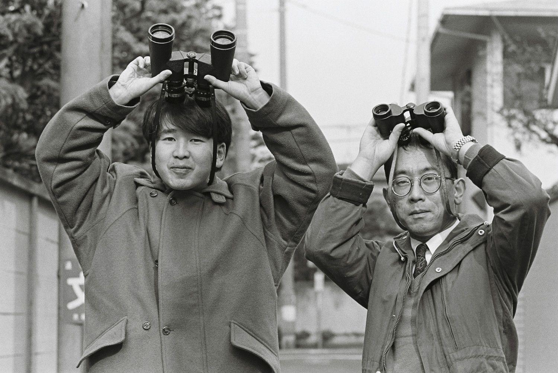 泉麻人(左)と渡辺和博(右) ©文藝春秋