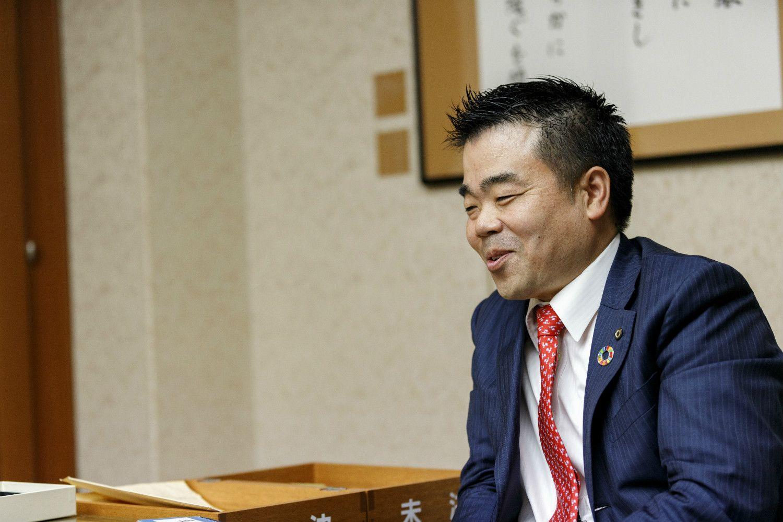 元JR西日本運転士・三日月大造知事